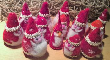 sale of felted santas 2017